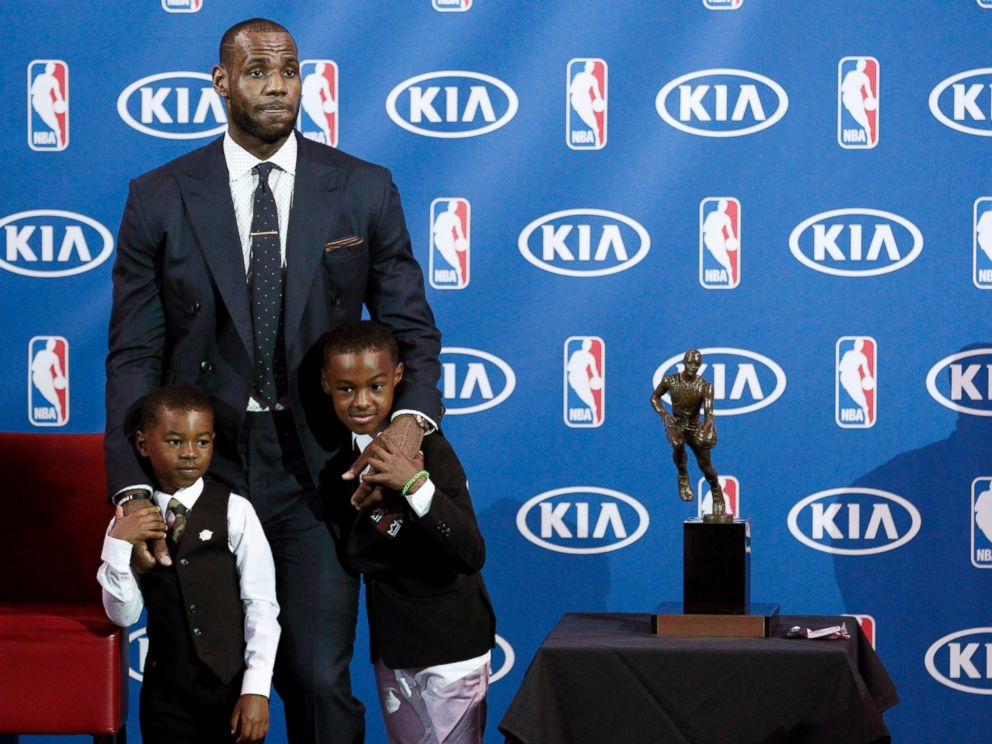 lebron james jr family