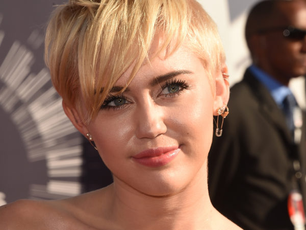 Miley Cyrus Height Weight Measurements Boyfriend Age Net Worth