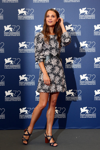 Alicia Vikander Height