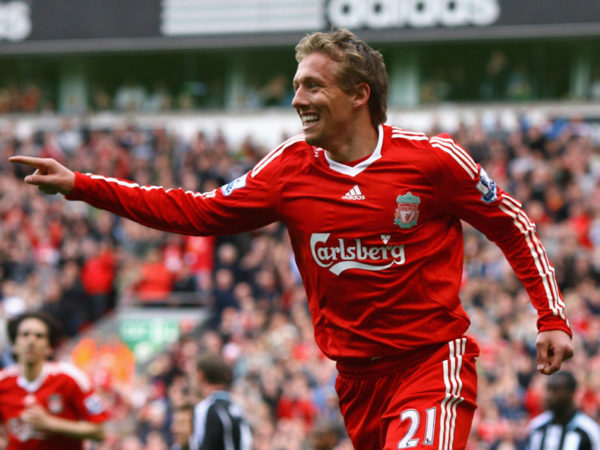 Lucas Leiva Height Weight Age Girlfriend Salary Net Worth