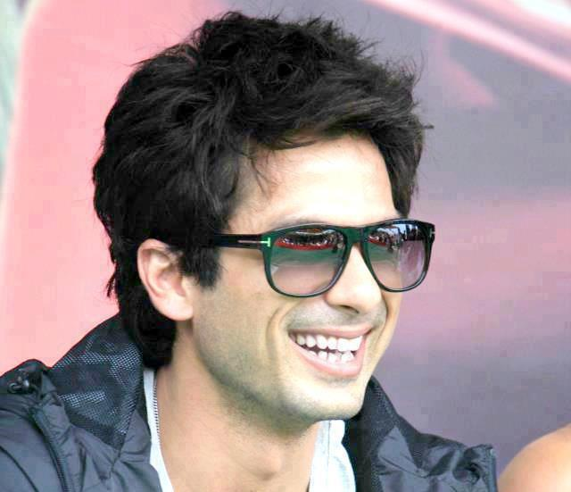 Shahid Kapoor Height,Weight,Age,Salary,Net Worth and ...