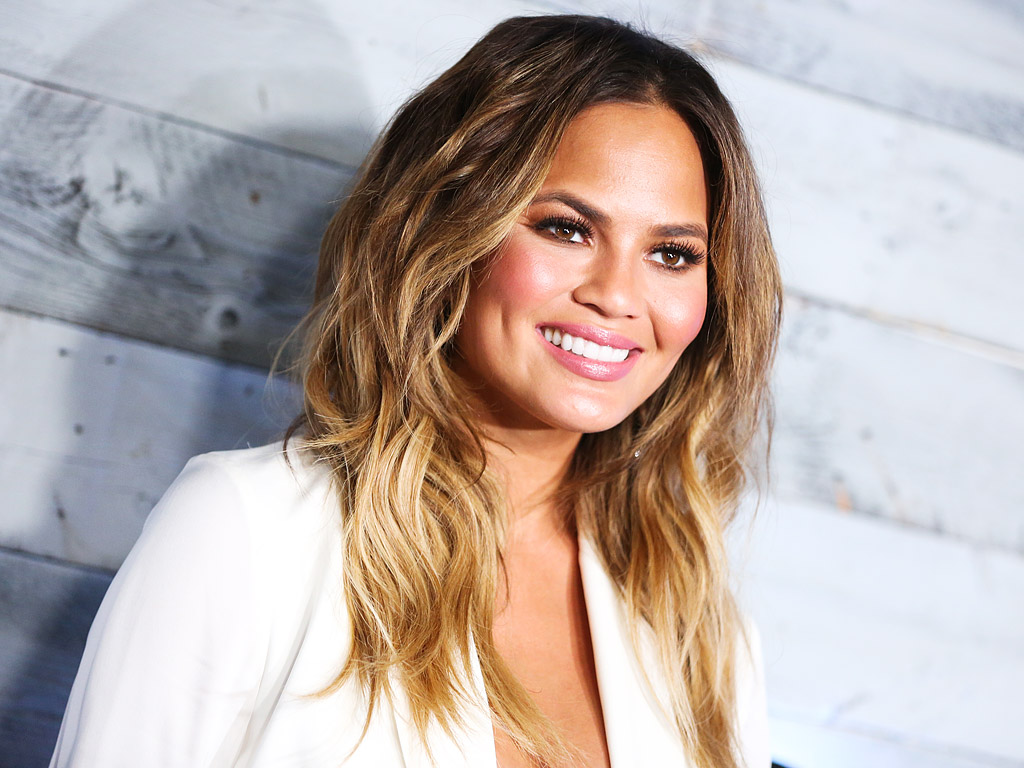 Crissy Teigen Height Weight Age Husband Net Worth