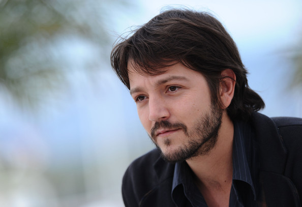Diego Luna Height