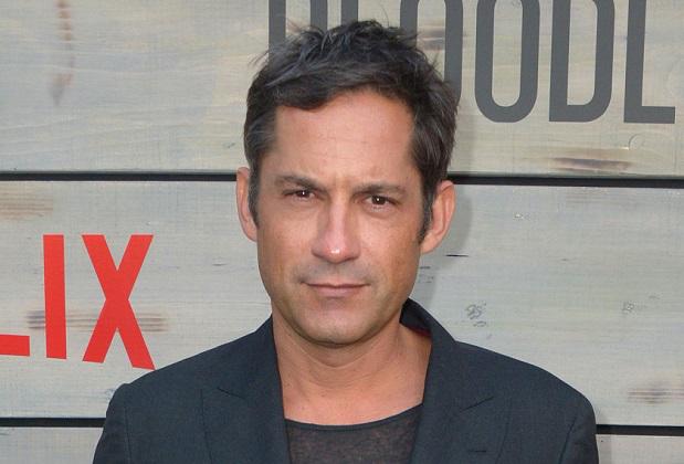 Enrique Murciano Height