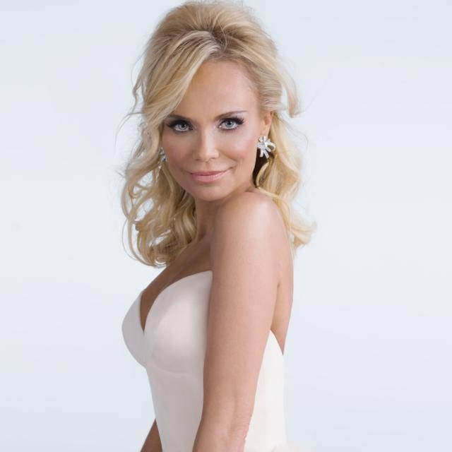 Kristin Chenoweth Height Weight Body Measurements