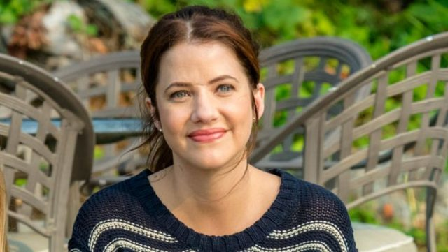 Julie Gonzalo Height Weight Body Measurements