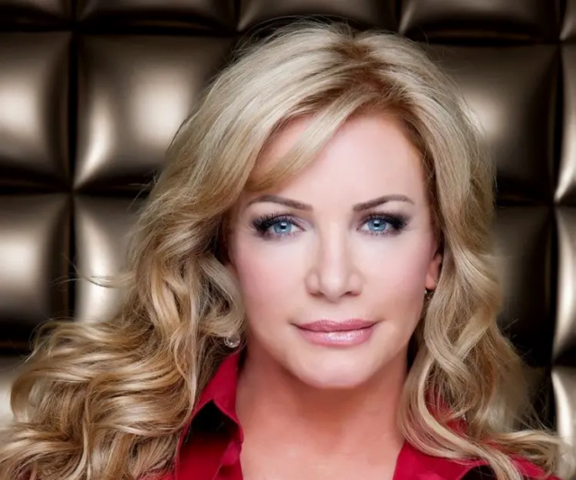 Shannon Tweed Height Weight Body Measurements